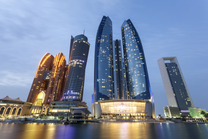 mudanza a emirátos Árabes desde Madrid